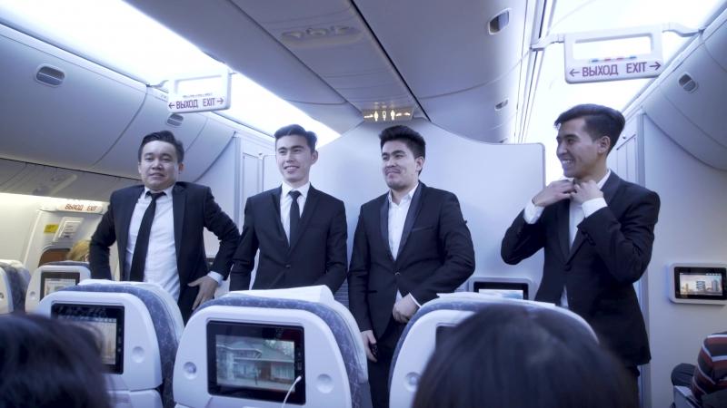 В честь Дня независимости группа VIDMEN на борту «Эйр Астаны» исполнила песню «Сарыарқа»