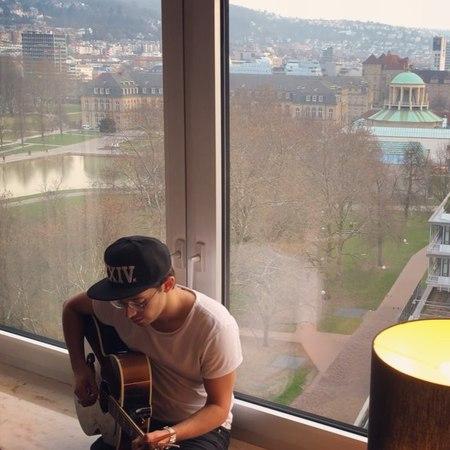 """Ruggero Pasquarelli on Instagram: """"Hoy tenía ganas de cantar y elegí la canción teamo de mis amigos @piso21music y @paulolondra !! Ojalá les guste..."""