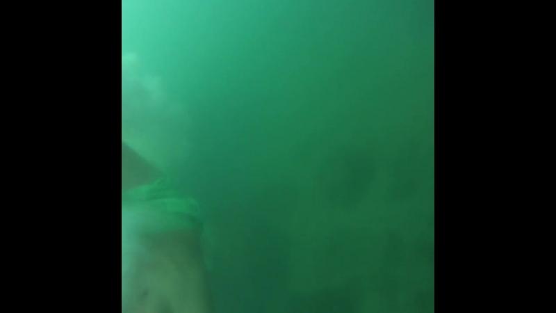 прыжок в морскую пучину)