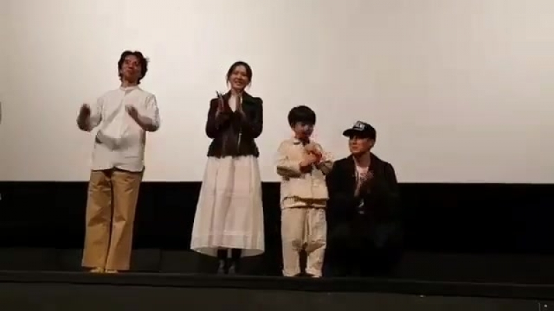 Repost @rapu78 thanks for sharing 오늘도신나고 활기차게지금만나러갑니다무대인사많은분들만나뵙게되어소중한시간이였습니다부모님과소중한분들과함께많이많이봐주세요 영화아역배우김지환이장훈감독님소