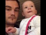 Музыкальный шедевр отца и малыша ???
