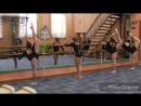 Урок классического танца в секции спортивной акробатики