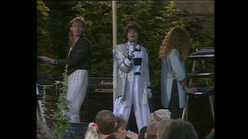Alphaville - Sensations, Universal Daddy Afternoons In Utopia (Sweden, Ölandssommar 12/7 1986)