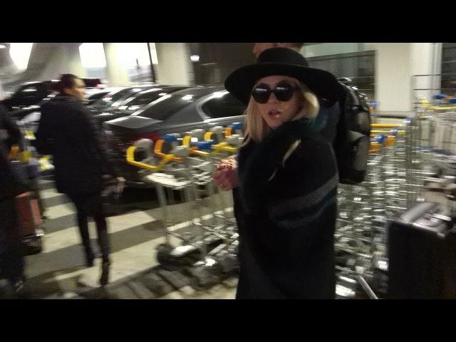 Джулианна и Брукс в аэропорту Парижа (1 февраля 2018 / Париж, Франция)