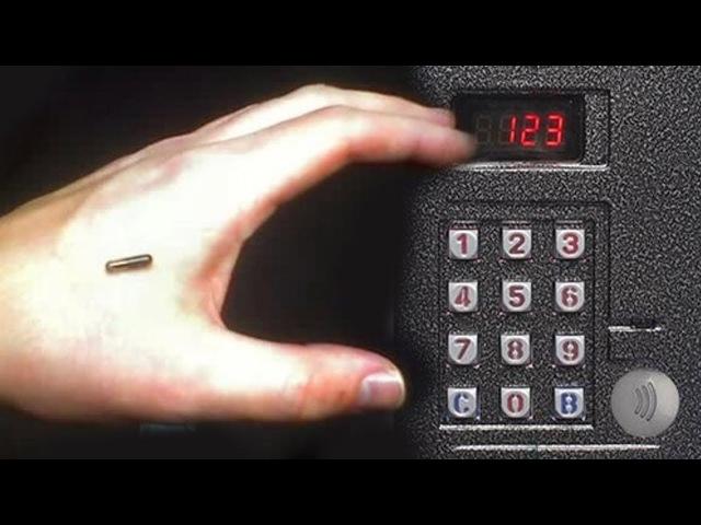 Чипировался чтобы открывать домофон. Новости чипирования в РФ.