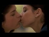 Лесбиянки  девушки   чувствуют друг друга  любовь  .