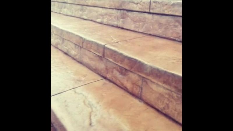 Отделка ступеней крыльца декоративным бетоном в Белгороде