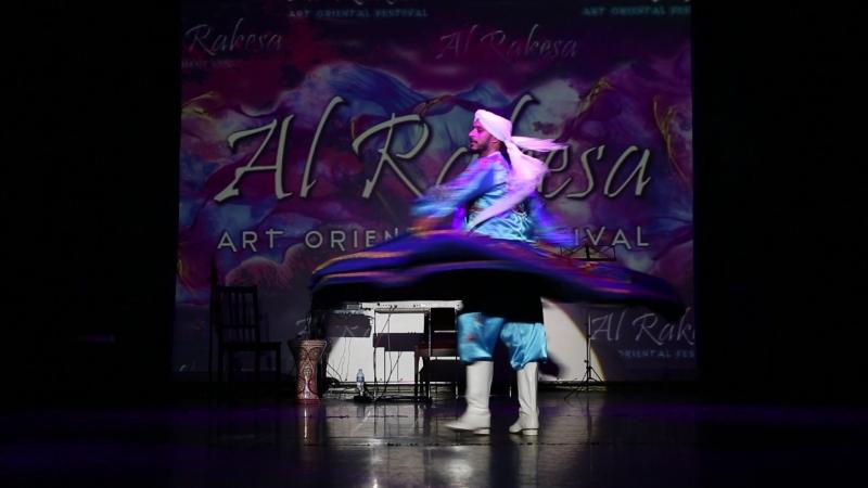 Osama Mimi Farag doing Tanoura on gala-show of AL RAKESA Festival 2018