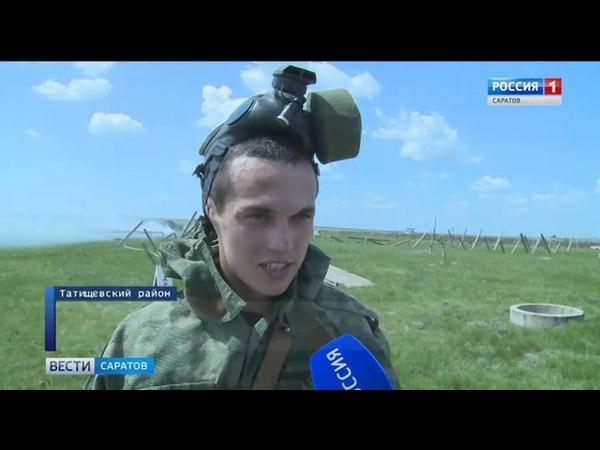 Военные отрабатывают маневры на полигоне в Светлом