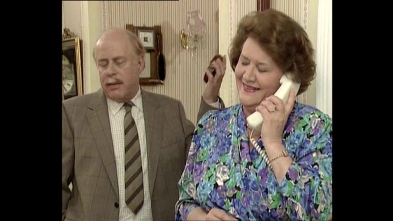 2х09 Соблюдая приличия / Keeping Up Appearances (1991)
