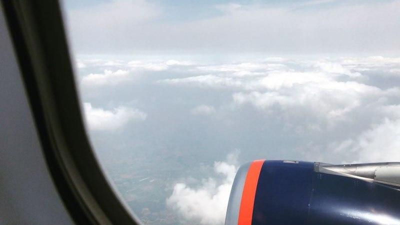Misha K on Instagram Чесно кажучі не знаю з чого почати Пишу сидячи в літаку ми вилітаємо і я знову в хмарах Пройшло кілька хвилин як пілот п