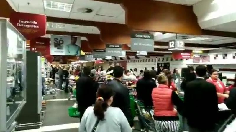 Esse é o tamanho das filas em um supermercado de Porto Alegre.