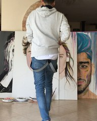 "LIRAN VARDIEL on Instagram: ""רוקד עם שון מנדס ומצייר את הארי סטייליס ביחד עם שון #harrystyles @harrystyles Dancing with Shawn Mendes and drawing ..."