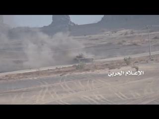 Хуситы подбили саудовский m-60 в провинции наджран.