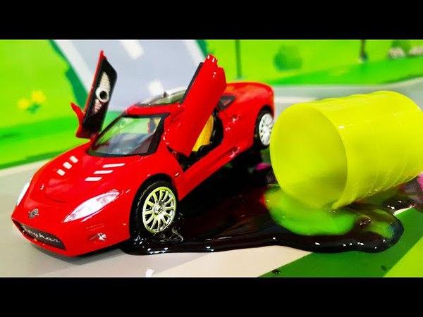 Мультик про машинки. Лего герои спасают Грузовик в мультике - Лизун на дороге. Видео для детей