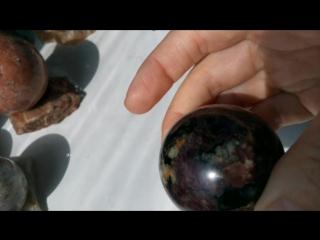 Гранат иолит в персиковом пегматите Кривбасс