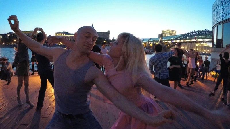 Розовый танец с Громовым))🔥🔥