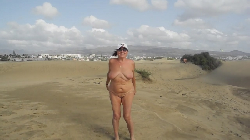 Old Whore Doing Exercises in the Dunes Porn da