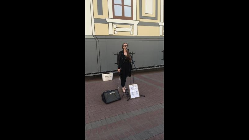 Уличный концерт Камиллы Лысенко » Freewka.com - Смотреть онлайн в хорощем качестве