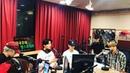 """SBS 107.7 이국주의 영스트리트 공식계정이에요😎 on Instagram """"데식이들 """"shoot me"""" 라이브 성진 4"""