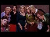 8 femmes Trailer