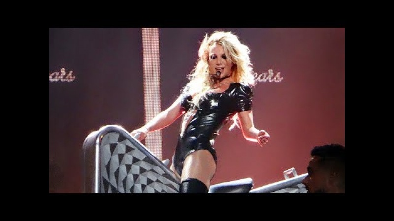 Britney Spears - I Love Rock 'n' Roll Gimme More (Live From Las Vegas)