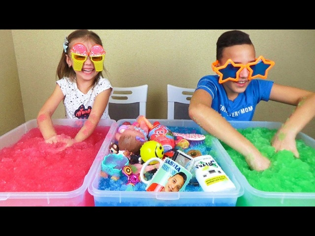 ЧЕЛЛЕНДЖ Джелли БАФФ Угадай свои вещи и игрушки в Jelly Baff Сюрпризы для Насти и Саши CHALLENGE
