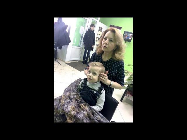 Константин впервые в парикмахерской