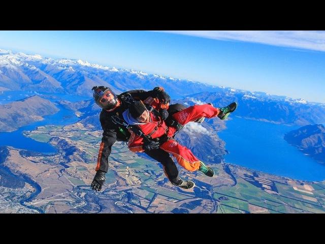 Безумные прыжки с парашютом