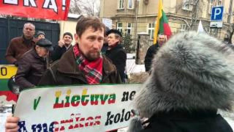 Protesto akcija prie JAV ambasados Vilniuje