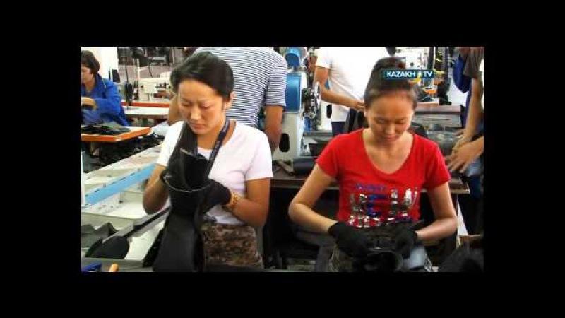 Процесс изготовления обуви для военных
