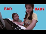 BAD BABY МАЛЫШ МЕШАЕТ ИГРАТЬ СЕСТРЕ НА ПИАНИНО THE KID BOTHERS TO PLAY THE SISTER ON THE PIANO!