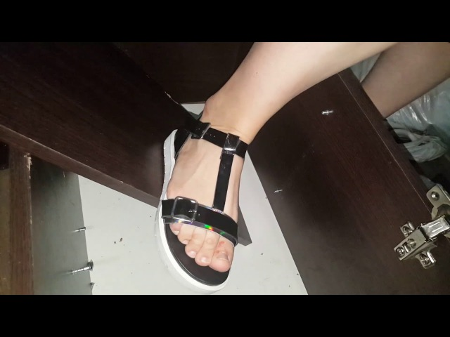 Crush fetish sandal wood
