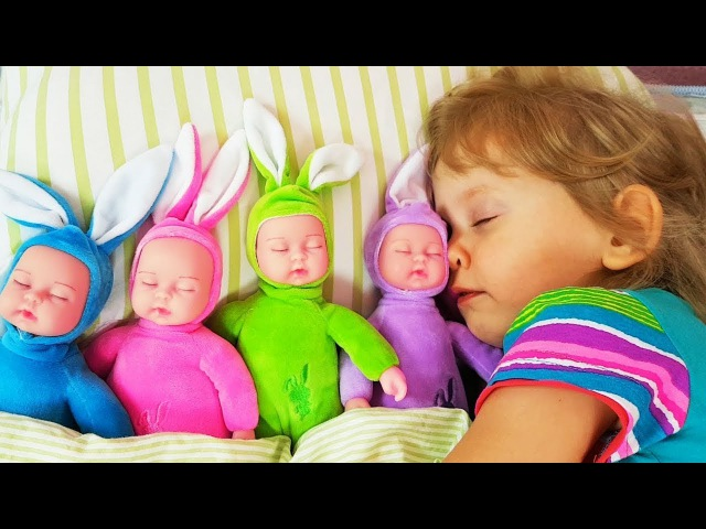 Сrying Baby dolls Are you sleeping song for kids Learn colors with me Nursery Songs Compilation
