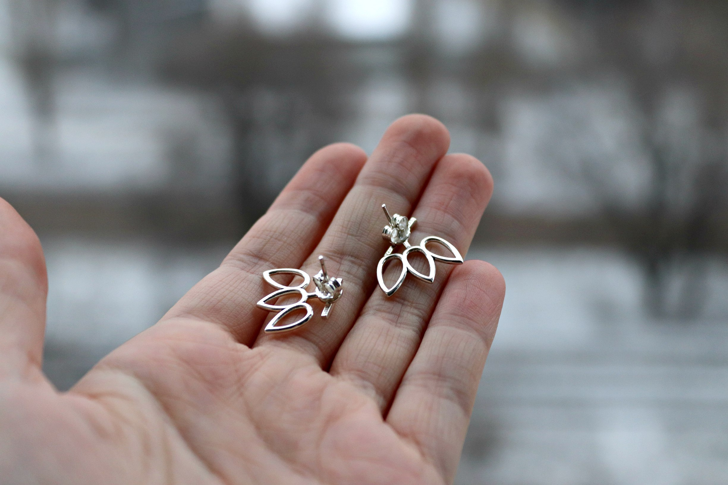 Необычные серебряные серьги