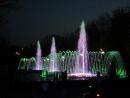 Цветные фонтаны на улице Красной