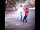 Мальчик и девочка танцуют.mp4