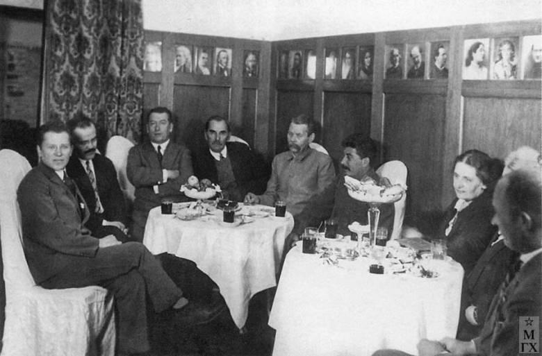 Сталин и писатели. Максим Горький и Демьян Бедный (2011)