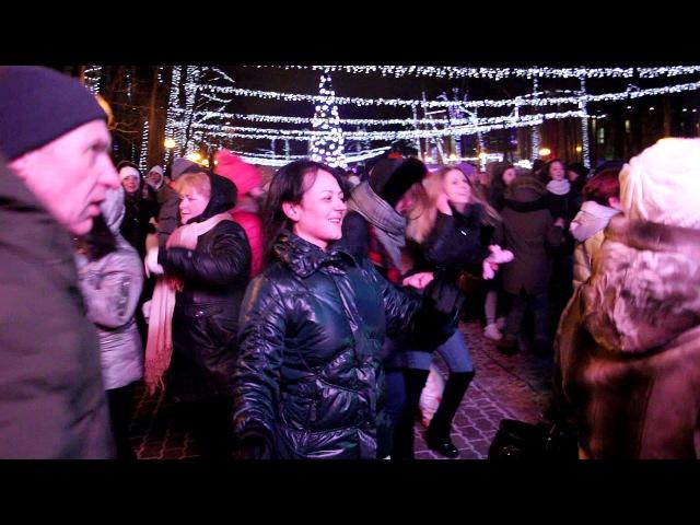 С Новым годом (на сцене главной ярмарки Подмосковья) - Славич и Юлия