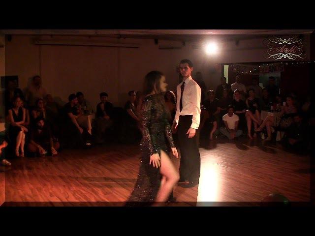 Un tema folklorico argentino con milonga bailado por Campeones mundiales 2017 en Dos Orillas, Buenos