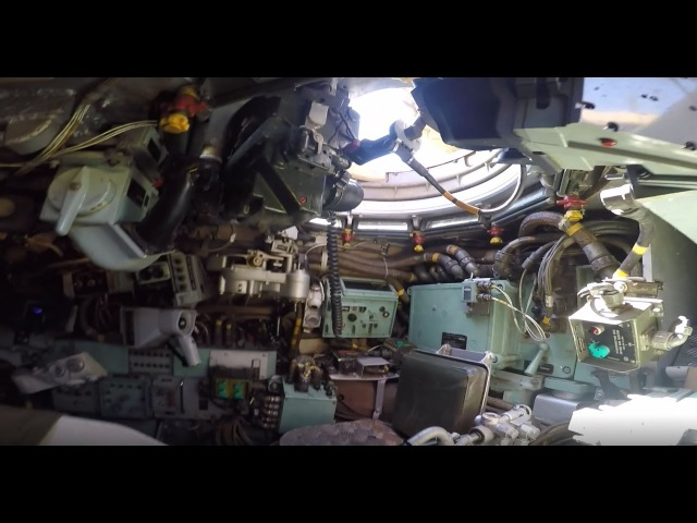 A look around inside a Chieftain Mk 11 Main Battle Tank its TOGS
