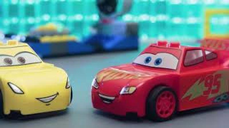 LEGO Disney Mini Oyuncak arabalar yarışıyor