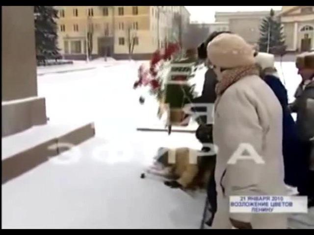 Маски Шоу у памятника · coub, коуб