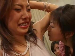 japanese armpit lick