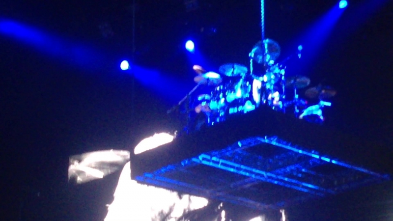 Scorpions - Overkill [Motörhead Cover] Mikkey Dee's Drum Solo Blackout (Moscow Crazy World Tour 2017
