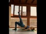 Отличные упражнения для ног и ягодиц. Каждое упражнение выполняем по 20-30 повторений в 3-5 подходах.