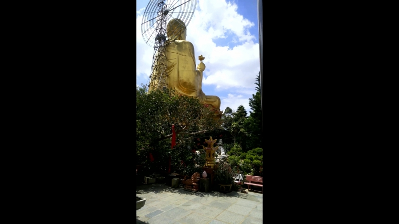 Далат, храм Золотого Будды