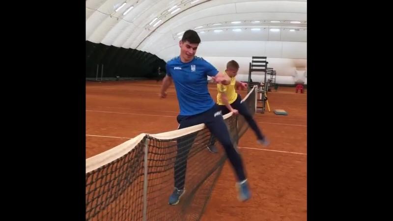 Коноплянка і Ротань vs Зінченко і Маліновський: Гравці збірної України пограли в тенісбол