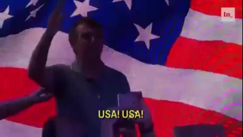 Bolsonaro presta continência à bandeira dos EUA e puxa coro homenageando os EUA