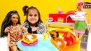 Игры для девочек. Барби готовит пиццу. Мультики с куклами
